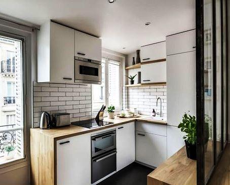 Угловая кухня в ограниченом пространстве